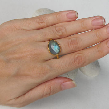 SALE Assymetric Labradorite Ring- Anniversary Ring- Gemstone Ring- Stone Ring- Faceted Ring- Bezel Ring- Gifts for Her-