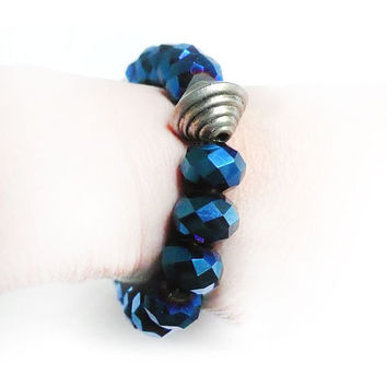 Metallic Blue Faceted Glass Bracelet with Baby Skull Charm & Tibetan Bead. Skull Bracelet. Dödskalle Armband.