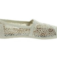 Toms Women's Crochet Classics Natural Morocco Casual Shoe 8 Women US
