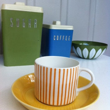 Rörstrand Kadett tea cup/espresso demitasse! 1950s Atomic era, yellow stripe, coffee can by Hertha Bengtsson.