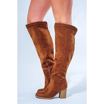 Leaving Late Boots: Chestnut