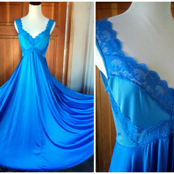 Vintage Nightgown 70s Lady Cameo Dallas Blue Olga Like Gown Lace Nylon Spandex Stretch M 38B to 40B