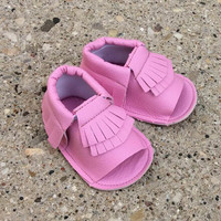 Pink Baby Sandals, Baby Girl Sandals, Baby Moccasins, Toddler Moccasins, Fringe Moccasins, Baby Sandals, Baby Shoes, Toddler Shoes, Pink