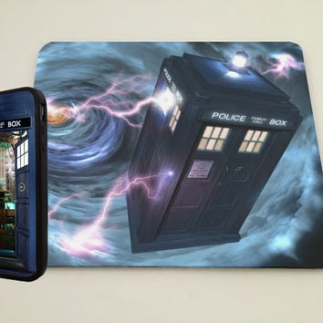 TARDIS Bigger on the inside iPhone Case and mouse pad bundle, iPhone 4, iPhone5 case, iPhone 4 case, iPhone cover, Hard case Doctor Who