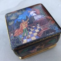 ROMEO & JULIET PORCELAIN RUSSIAN MUSIC BOX - LIMITED / NUMBERED ARDLEIGH ELLIOTT