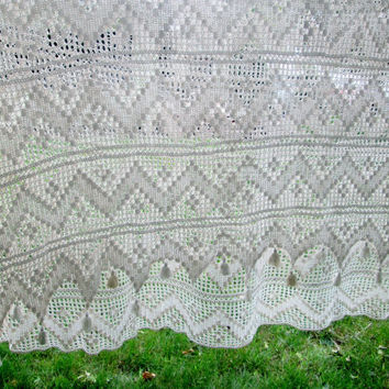 Vintage Lace Crochet Bedspread Crocheted Coverlet Bed Linen Off White with Tassles