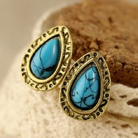 A 090211 Vintage blue stud earrings