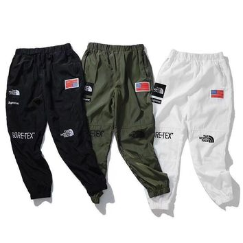 cc kuyou Supreme x The North Face Joggers