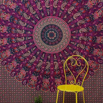 Jessa Medallion Scalloped Tapestry - Urban Outfitters