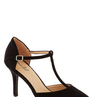 ModCloth Film Noir Get It, Got It, Go-See Heel in Black