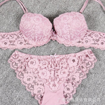 Women Bra Set Lace Flower Lingerie Set Cute Vintage Full Embroidery Push Up Bra And Panty Set