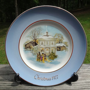 1977 vintage avon christmas plate carollers in the snow enoch