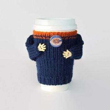 PEAPYD9 Chicago Bears coffee cozy. NFL Bears jersey. Blue orange. Knitted cup sleeve. Travel m