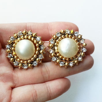 Authentic Vintage Rare 1984 Chanel Faux Pearl Rhinestone Classic Clip On Earring Original White Box