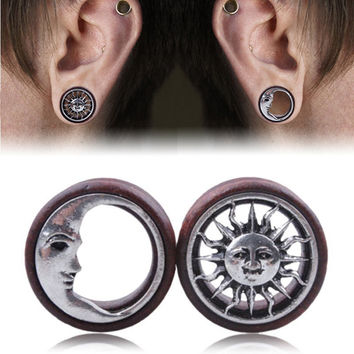 Fashion Wood Sun & Moon Hollow Ear Plugs Saddle Flesh Tunnel Ear Gauges