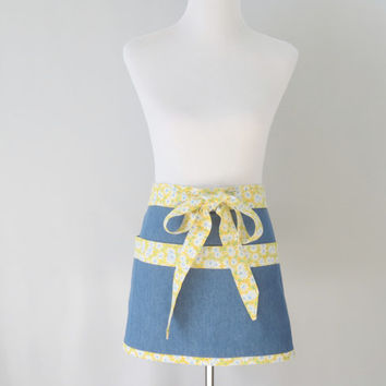 Womens Short Denim Half Apron, Cute Yellow Daisies, Teacher, Gardening, Short Kitchen, Craft Fair, Vendor Apron, Mothers Day Gift Mom