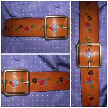 Vintage Leather TOOLED Belt, 70s WESTERN Carved FLORAL Print Leather, Snap Buckle Belt