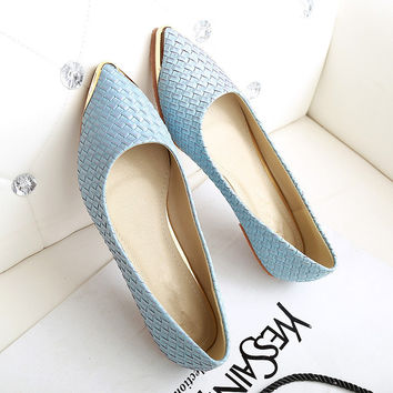 Flats Woman 2016 New Arrival Metal decoration Pointed toe Women Shoes High Quality Comfortable Flat Shoes Size 35-43