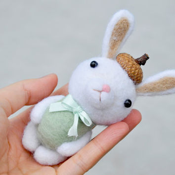 Easter Bunny Needle felted bunny, Bunny baby shower gift, needle felt bunny, needle felt animals, easter decoration, baby first easter