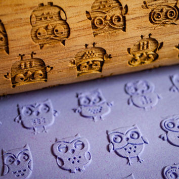Owls are a hoot ,Engraved rolling-pin Animal Embossed Rolling Pin Custom Rolling pin, Gift for Her