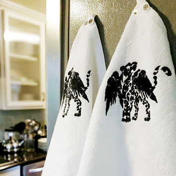 SnapTowels Making Hanging Kitchen Towels a Breeze (Comes in packs of four)