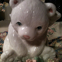 "Heritage House Music Box ""Honeybunch"" A Fine Porcelain Bear 1960's"