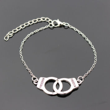 Love Vintage Silver Plated Eye Peace Friend Owl Bracelet Bangle For Women Charm Jewelry Handcufs