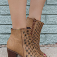 Commotion Booties - Tan