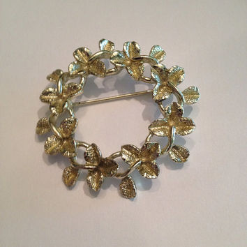 Vintage Gold Wreath Eternity Brooch Costume Jewelry