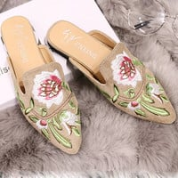Fashion Embroider shoes Velvet Mules Pointed Toe Slippers Summer Women's Flat Sandals Casual Women Ladies Flower Shoes