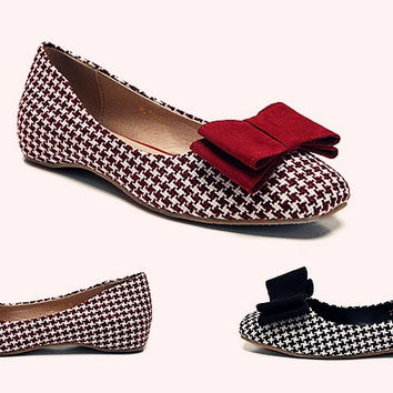 Womens Modern Patterned Bow Flats