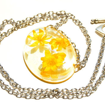 Yellow flowers necklace Spring necklace Real flowers necklace Dried flowers pendant Resin jewelry Real flower jewelry Preserved flowers