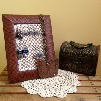 Photo Frame Earring Holder, Picture Frame Jewelry Rack, Earring Organizer, Hand Crochet Earring Display, Shabby Chic Jewelry Stand