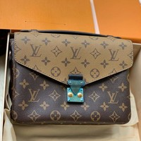 Louis Vuitton Lv Bag #689
