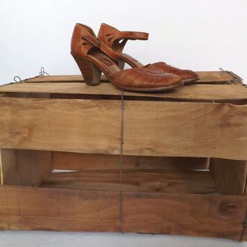 SIZE 7 B Vintage 1970s Tan Cognac Leather Shoes High Heel Braided Leather Sandal Pumps Southwestern Made in Brazil Wooden Heel Platforms