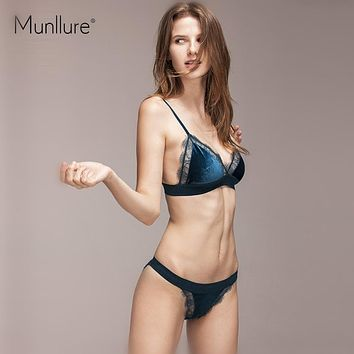 Munllure 2017 new premium velvet bra set eyelash lace without steel ring thin mold cup V-shaped triangle cup underwear female