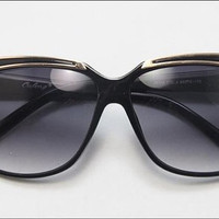 Deadstock Classic Gold Metal Accents Black Frame Sunglasses with Gold Line Embellished Y8952