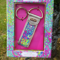 Lilly Pulitzer Monogrammed Key Fob keychain! Makes the perfect gift for others or yourself! Lots of monogram font and color options!