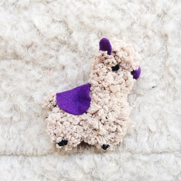 Kawaii plush alpaca brooch - Kawaii alpaca toy - Stuffed Brooch - Felt Brooch - Stuffed Animal Alpaca Toy - Valentine Gift For Her