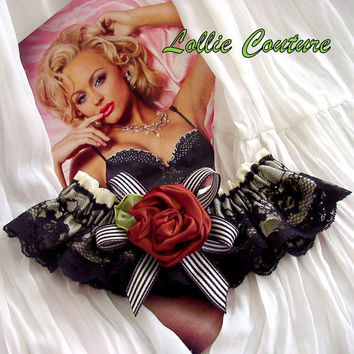 LIPSTICK garter set Lollie Couture Burlesque by lolliecouture