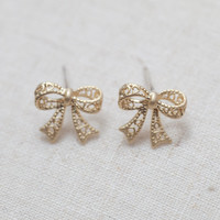 Cute Bow Earrings In Gold on Luulla