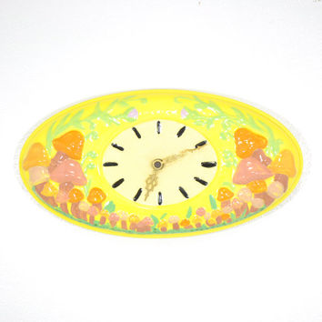 Mushroom Clock • Vintage Ceramic MUSHROOM Wall Clock • 1970s TOADSTOOL Clock • 70s Ceramic Mushroom Wall Clock • Battery Operated