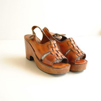 70s Platform Sandals Size 8 // Open Toe by VintageUrbanRenewal