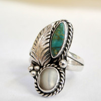 Native American Jewelry Green Turquoise Ring Mother of Pearl Sterling Size 7.75 Vintage Navajo Design