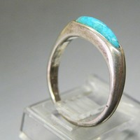 Nice Sterling and Turquoise Spellbound vintage ring.