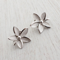 Vintage Trifari Flower Clip On Earrings -  Silver Tone Designer Signed Floral Costume Jewelry / 5 Petals