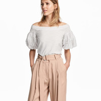 H&M Off-the-shoulder Blouse $24.99