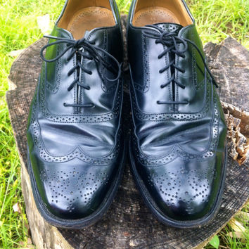 Men's Johnston & Murphy Wingtip Oxfords // by HawkShopVintage