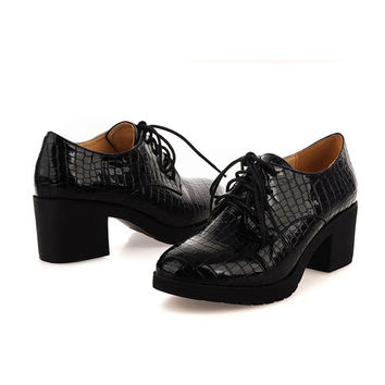 Lace Up Patent Leather Casual Flat