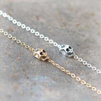 Tiny Skull Bracelet / Choose your color / gold and silver